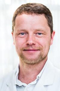 Prof. Dr. Sven Ostermeier, Facharzt für Orthopädie und Unfallchirurgie der Gelenk-Klinik Gundelfingen, Kniespezialist, Hauptoperateur des Endoprothetikzentrums (EPZ)