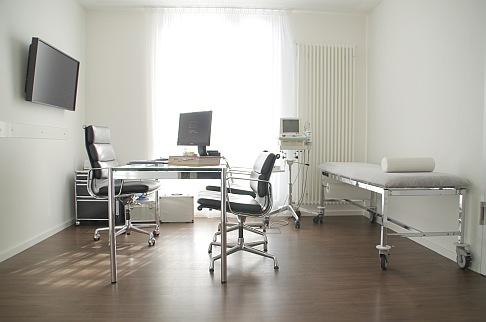 Врачебный кабинет в ортопедической Геленк-Клинике. © Gelenk-Klinik