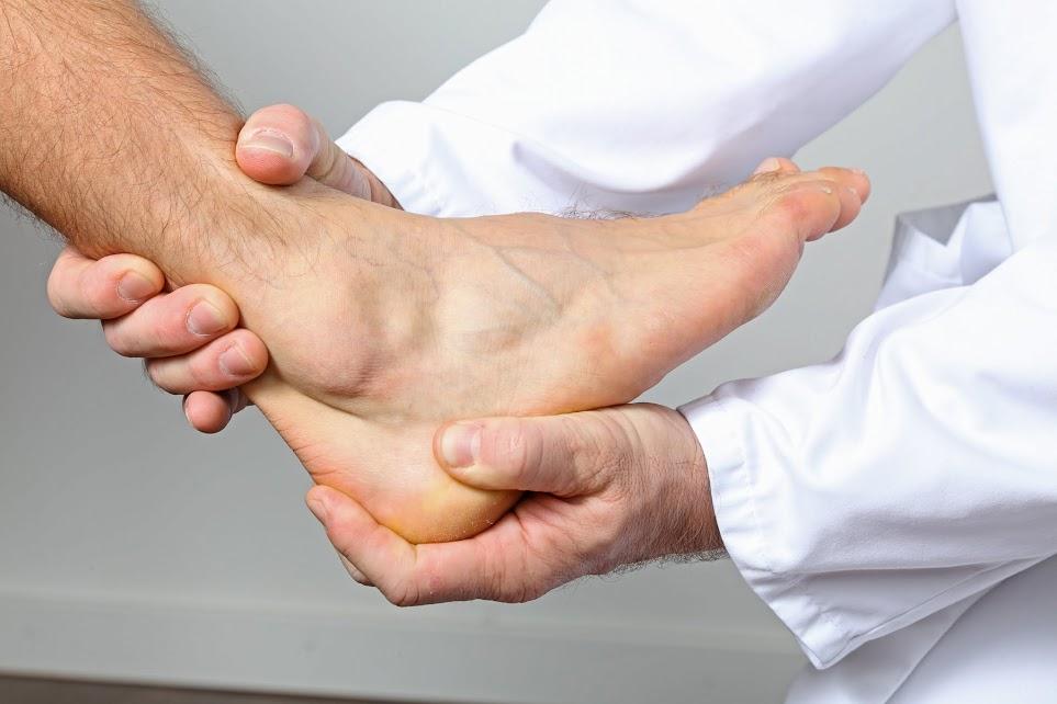 Schmerzen dicker knöchel keine Arthrose im