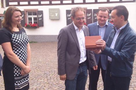 Премьер-министр Татарстана г-н Ильдар Халиков и министр здравоохранения г-н Адель Вафин